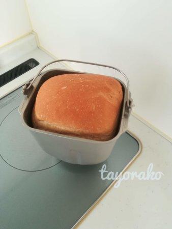 ホームベーカリーで食パン