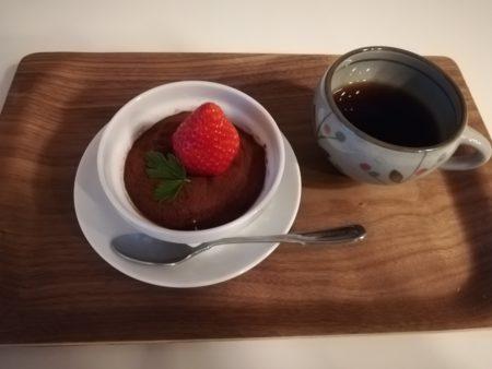 生チョコケーキとコーヒー