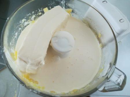 クリームチーズ、生クリーム