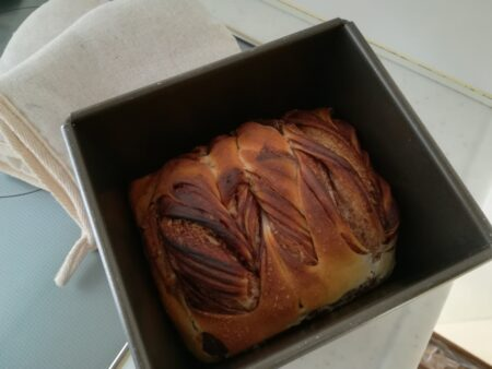 マーブル食パン焼き上がり